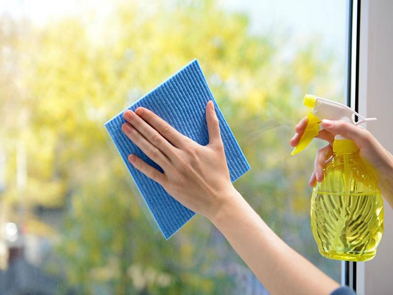 Tổng Hợp Những Cách Lau Kính Sạch Bong Sáng Bóng