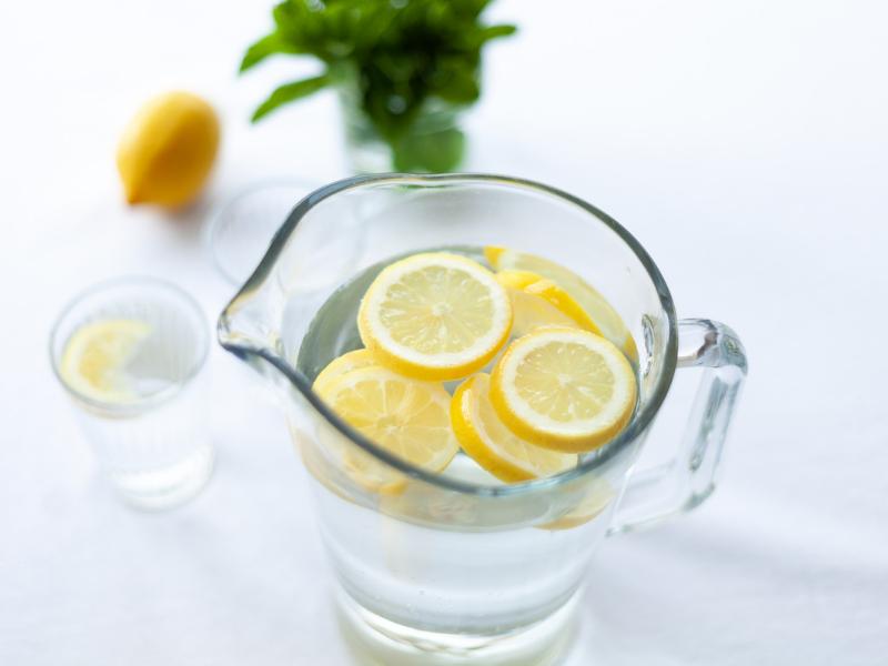 4 Lợi Ích Của Việc Uống Nước Chanh Ấm Mỗi Sáng