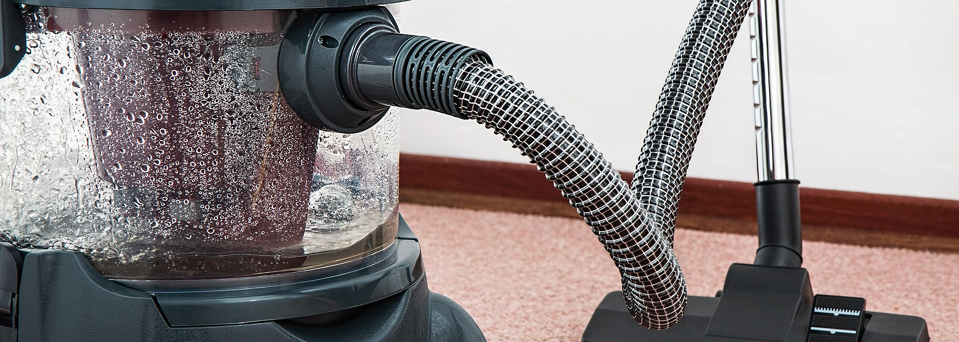 Dụng cụ vệ sinh nhà cửa cần thiết cơ bản