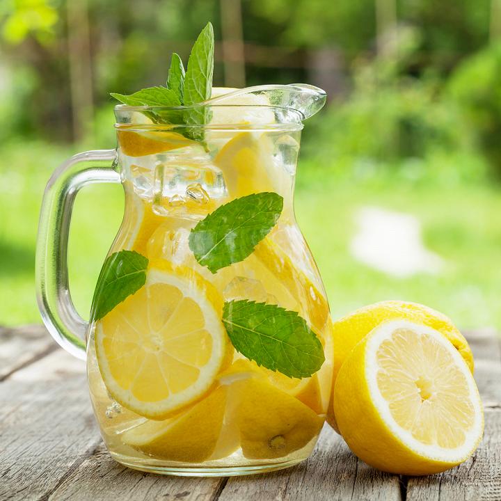 Uống nước chanh ấm giúp tăng cường hệ miễn dịch