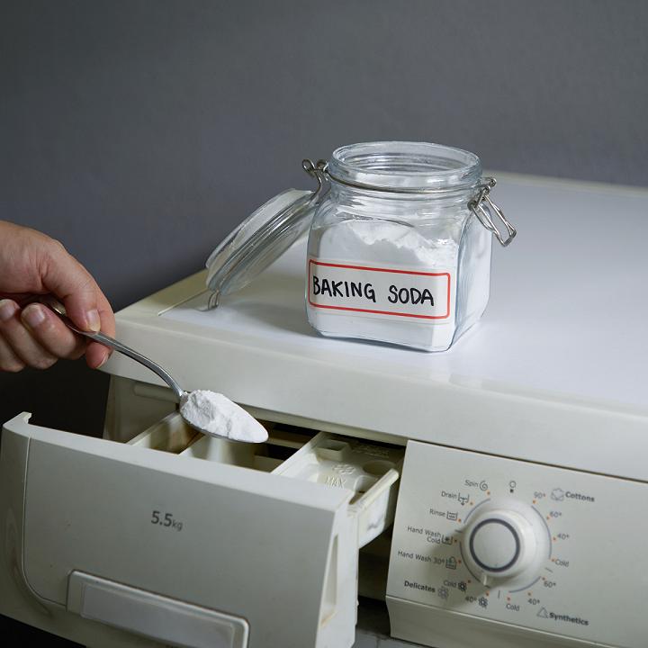 Baking soda là nguyên liệu giúp tẩy trắng quần áo hiệu quả