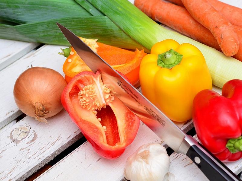4 món đồ dùng nhà bếp bà nội trợ nào cũng nên sở hữu: Dao sắc